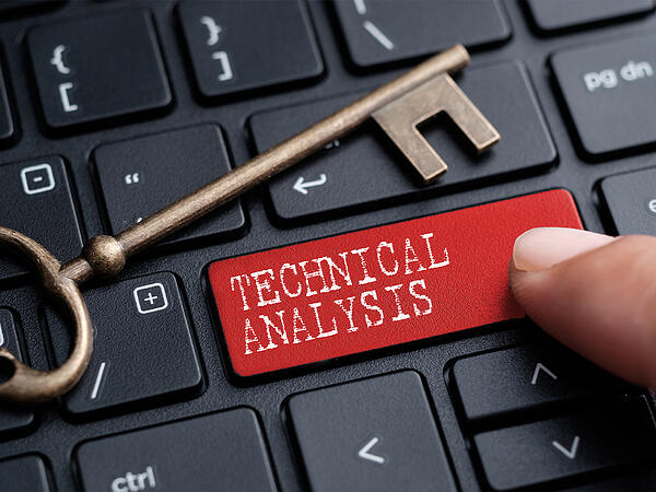 Key and keyboard button with the word Technical Analysis